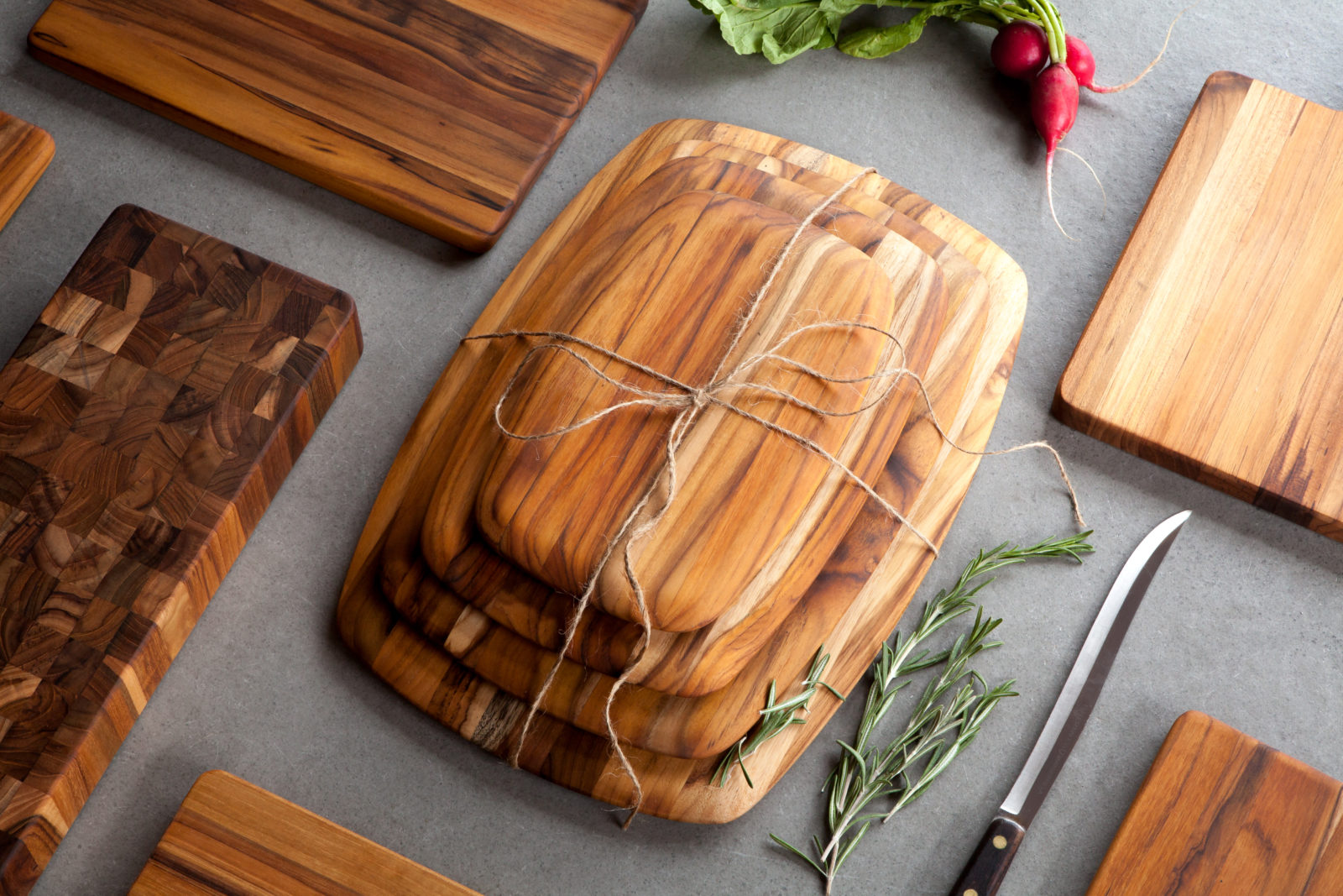 Sustainable Organic Teak Cutting Board Gift Set cutting board oil application